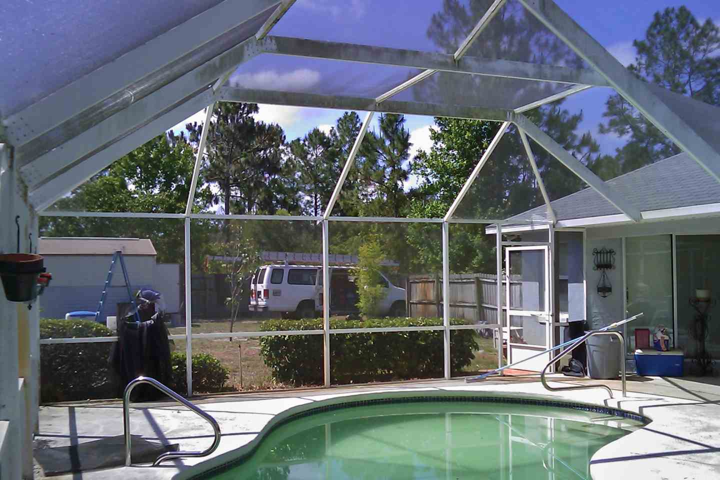 01-before-pool-enclosure-complete-re-screen.jpg