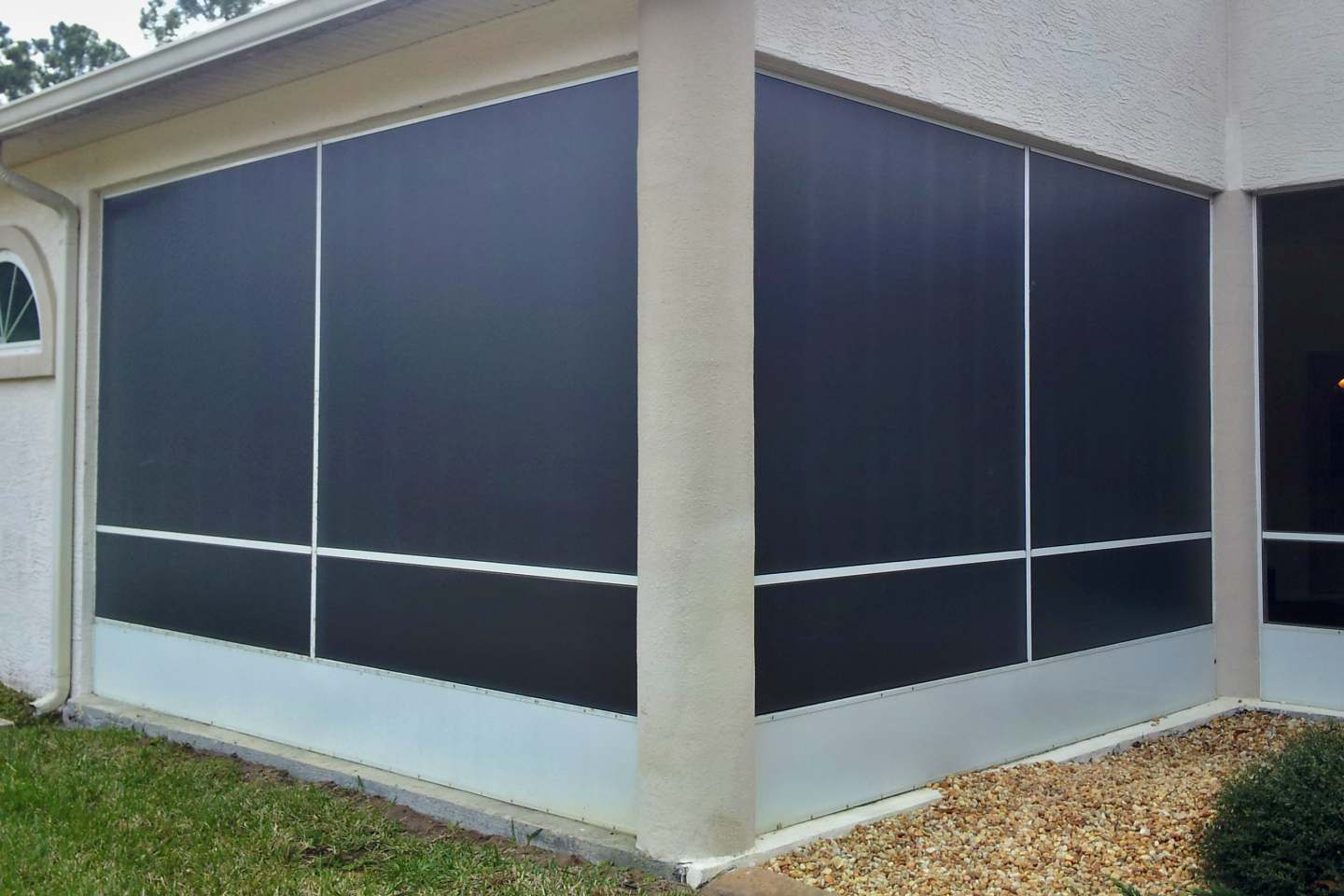 Barrister Ln, Palm Coast. Florida Glass Privacy Screen