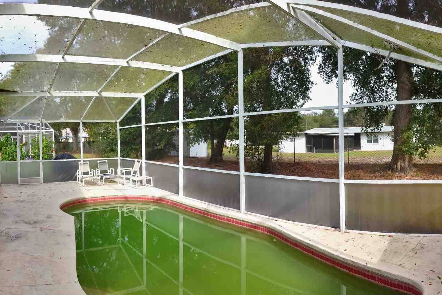 05-pool-enclosure-florida-glass-before-re-screen.jpg