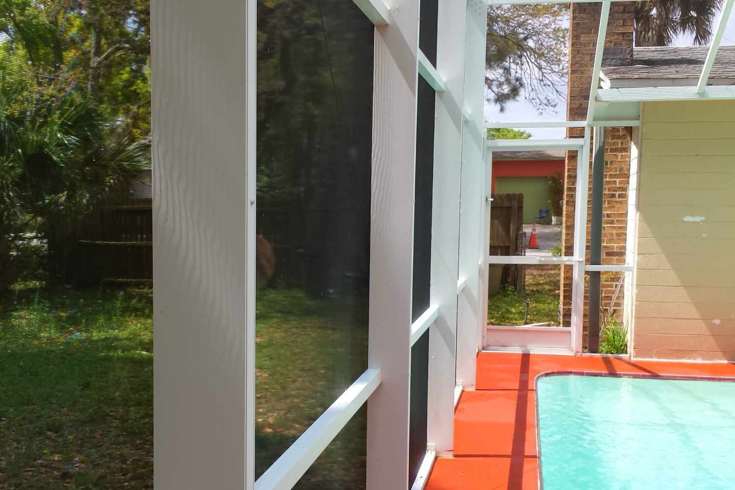 06-after-pressure-clean-pool-enclosure.jpg